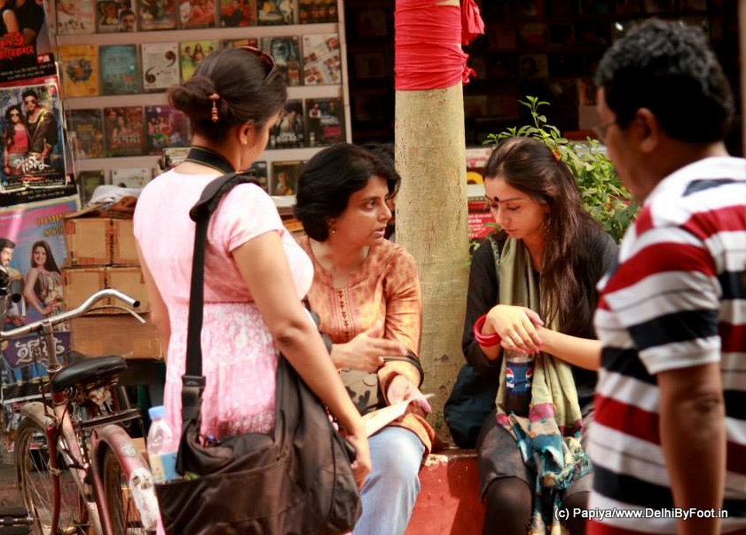 The Story-teller at the market. Pic Courtesy: Papiya Banerjee